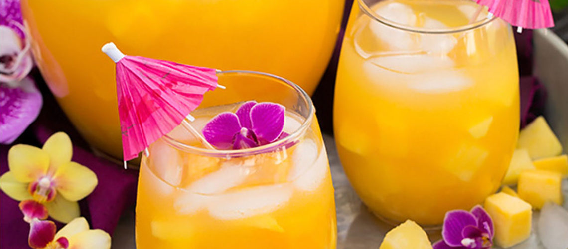 One Glass Of Pineapple Mango Lemonade Will Transport You To An Instant Vacation