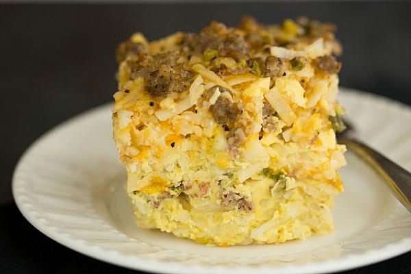 sausage-hashbrown-breakfast-casserole-28-600