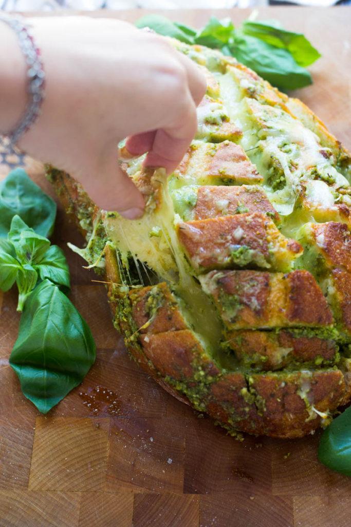 cheesy-pesto-pull-apart-bread-5-of-7