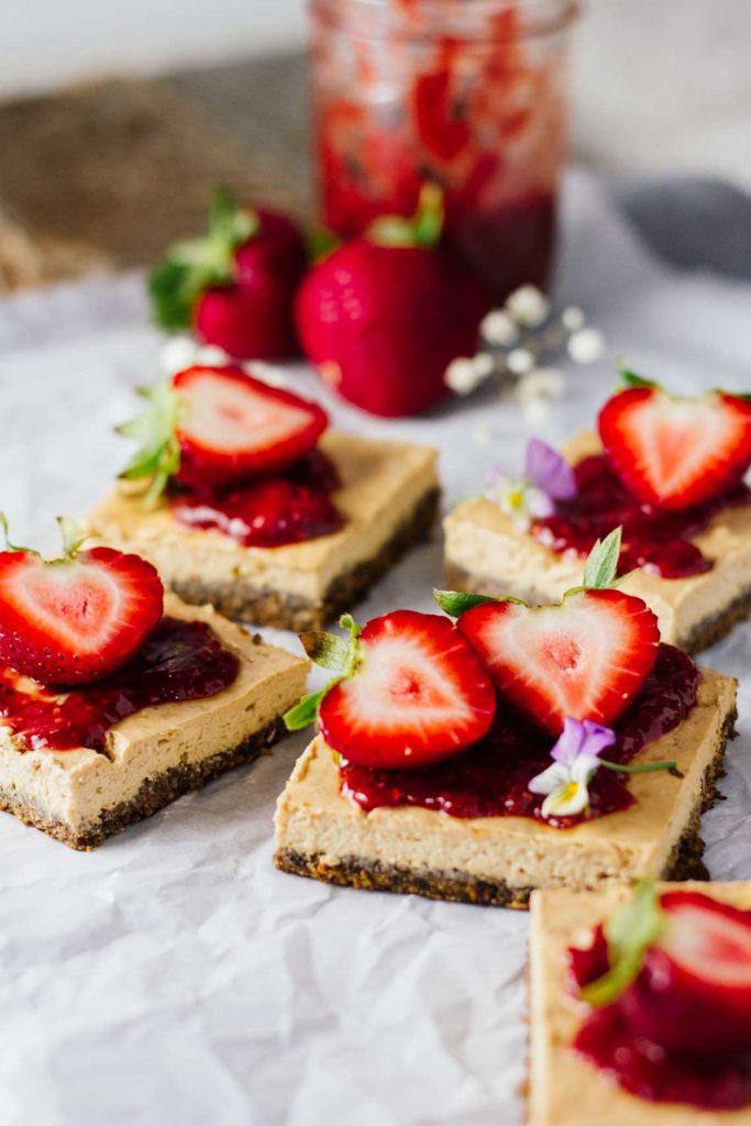 skinny-strawberry-cheesecake-bars-2