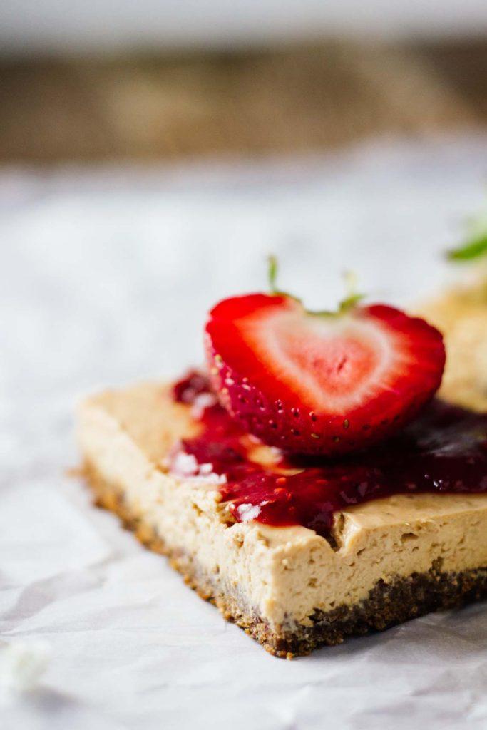 skinny-strawberry-cheesecake-bars-5