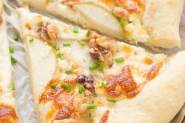 pear-feta-walnut-pizza