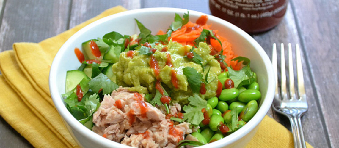 Enjoy A Spicy Tuna Guacamole Bowl Before Summer Ends!